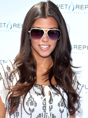 Kourtney_Kardashian+Aug_16_2009